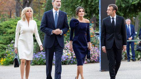Felipe y Letizia viajan hoy a París y almuerzan con los Macron a pesar del coronavirus