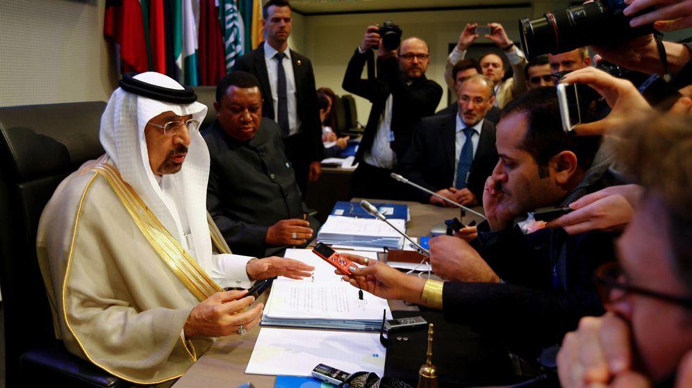 Foto: El ministro de Energía de Arabia Saudí, Al-Falih y el secretario general de la OPEP, Mohammad Barkindo