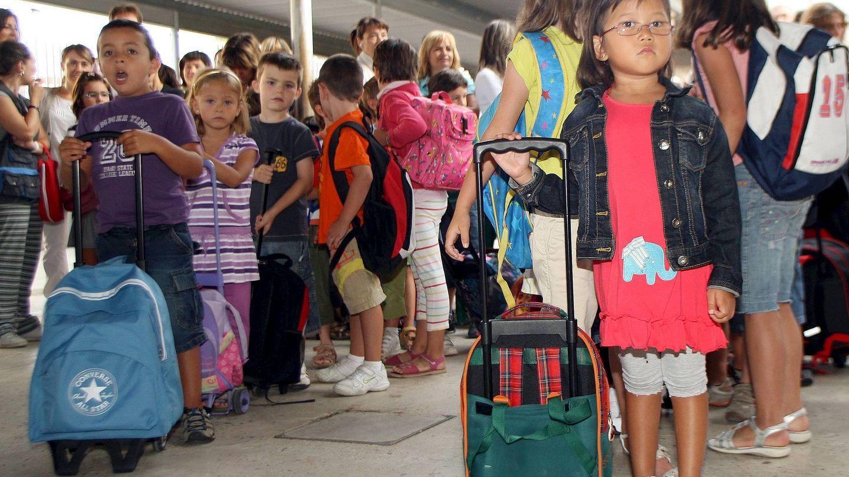 Niños durante la vuelta al cole en una escuela de Navarra   EFE