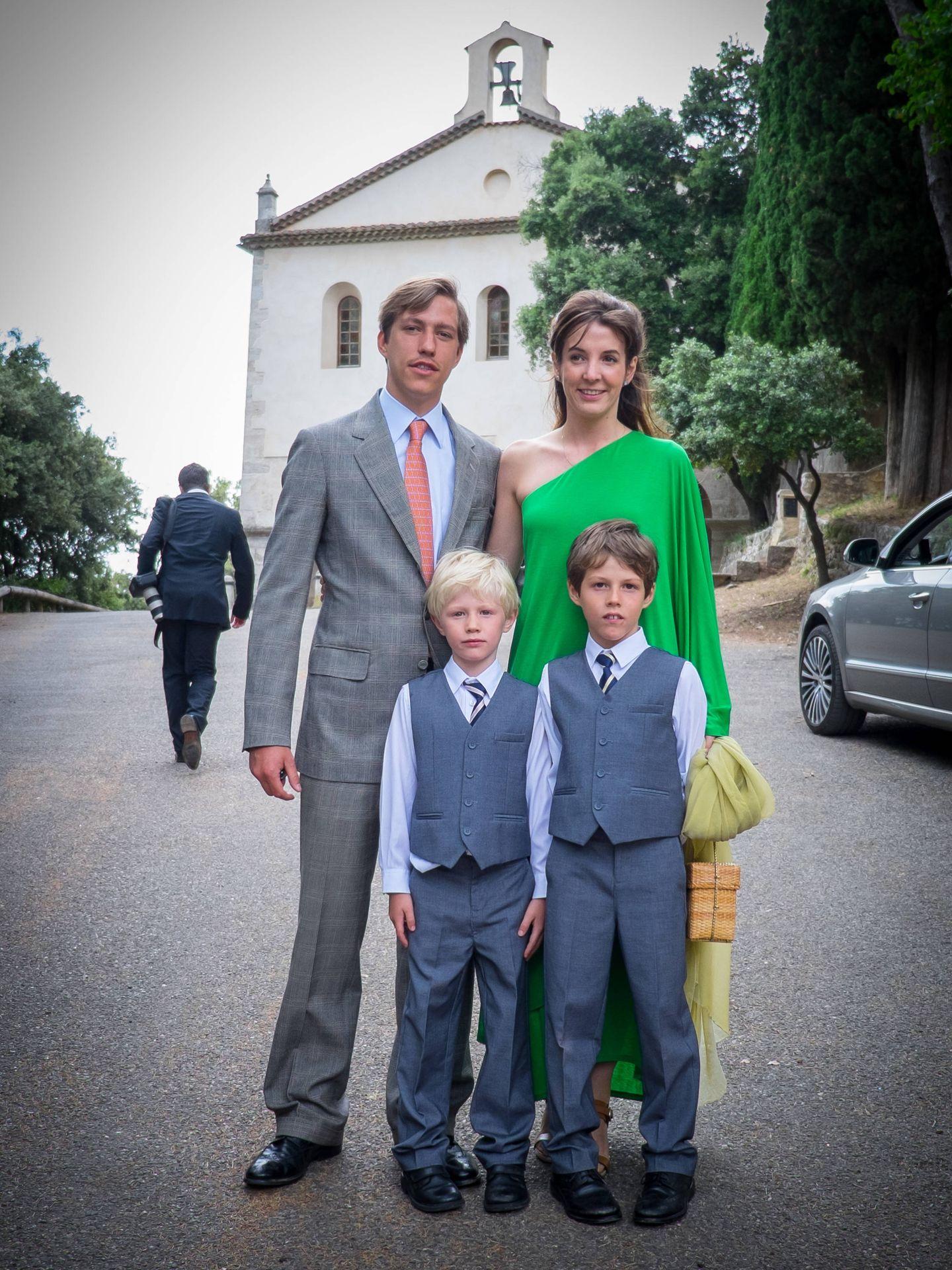 Tessy y Louis de Luxemburgo, junto a sus hijos en el bautizo de la princesa Amalia. (Getty)