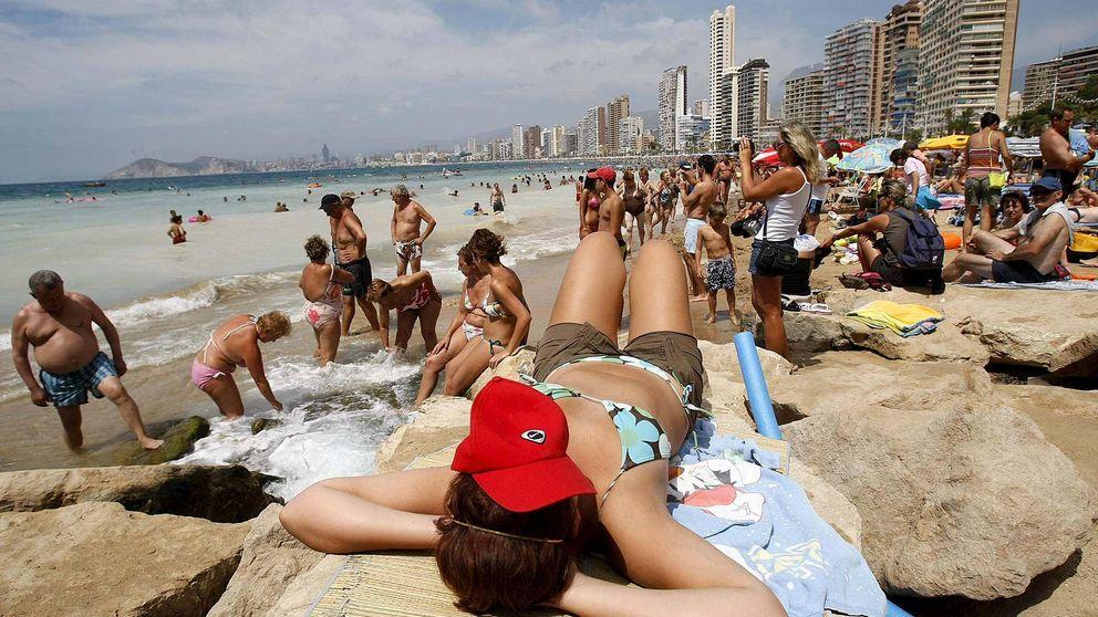 Así se gastan el dinero los turistas alemanes e ingleses en España