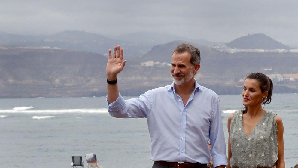 Letizia estrena en Canarias un vestido de Zara perfecto para el verano rebajado a 25€