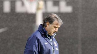 Al Tata Martino le acechan los oportunistas y la sombra de Guardiola
