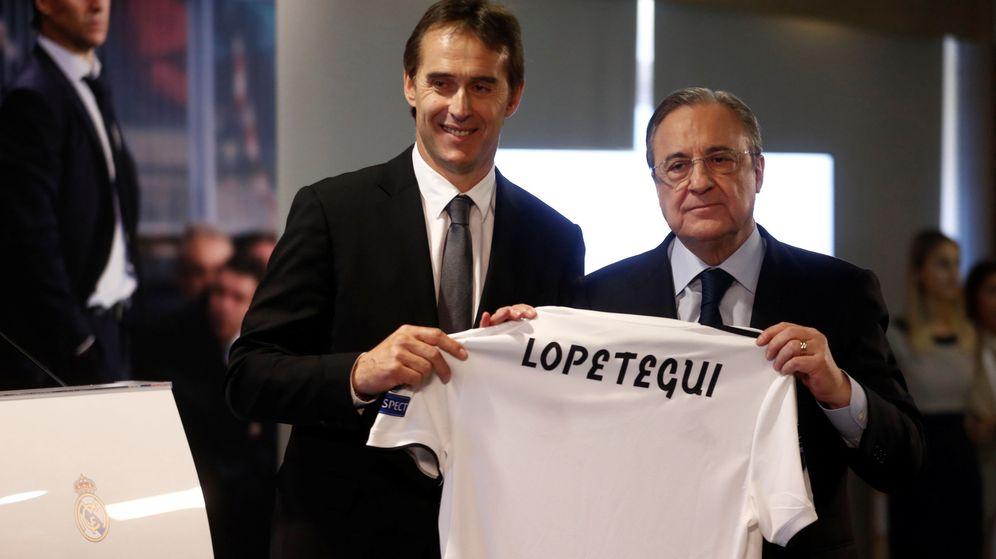 Foto: Florentino Pérez junto a Julen Lopetegui en el día de la presentación del nuevo entrenador del Real Madrid. (Efe)