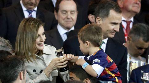 El tierno gesto de la Reina en su aniversario de bodas más futbolero