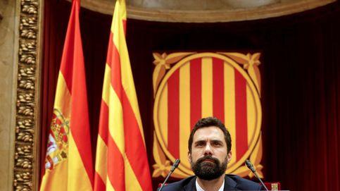 El fiscal da un tirón de orejas al Parlament por denunciar a Rajoy y sus ministros
