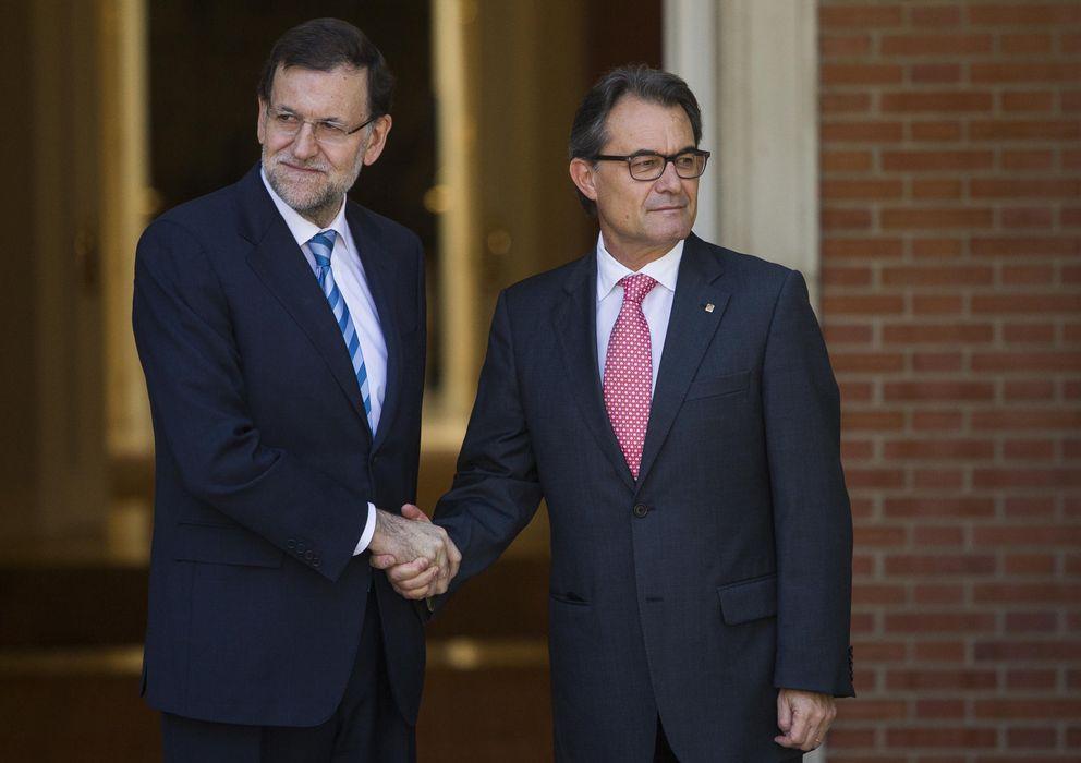 Foto: El presidente del Gobierno, Mariano Rajoy, junto al presidente de la Generalitat, Artur Mas (GTRES)