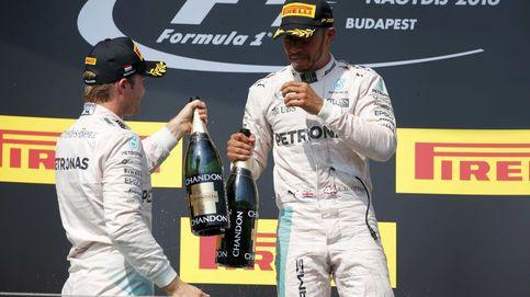 Rosberg da una palmadita a Hamilton ante la prensa: Ahora doy mi versión