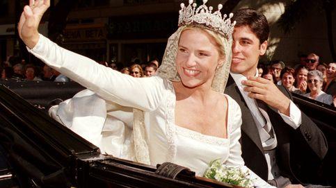 Eugenia Martínez de Irujo luce de nuevo la diadema de su boda con Fran Rivera