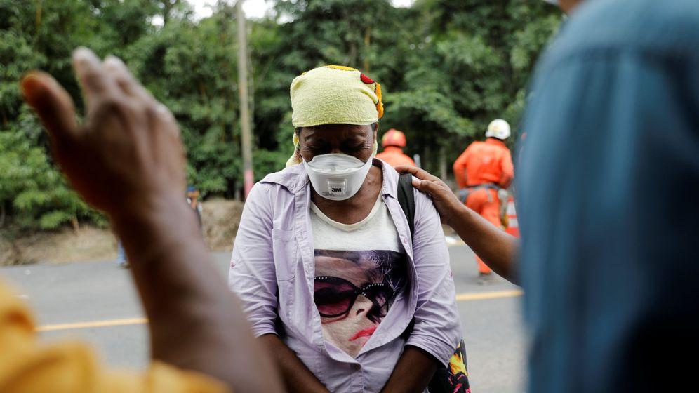 Foto: Eufemia García, la mujer que perdió a su familia en la erupción del volcán. (Reuters)