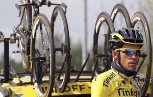 Contador pone en apuros a Froome, pero Sky logra frustrar su escapada