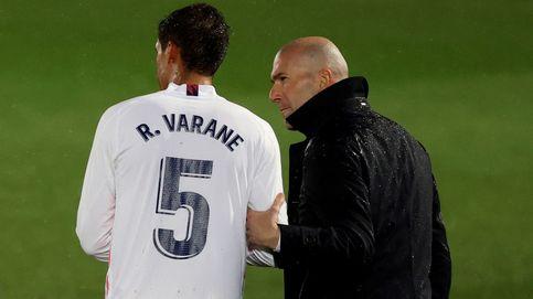 Satisfacción en el Madrid con el paso al frente de Varane: sin Ramos, es el líder del equipo