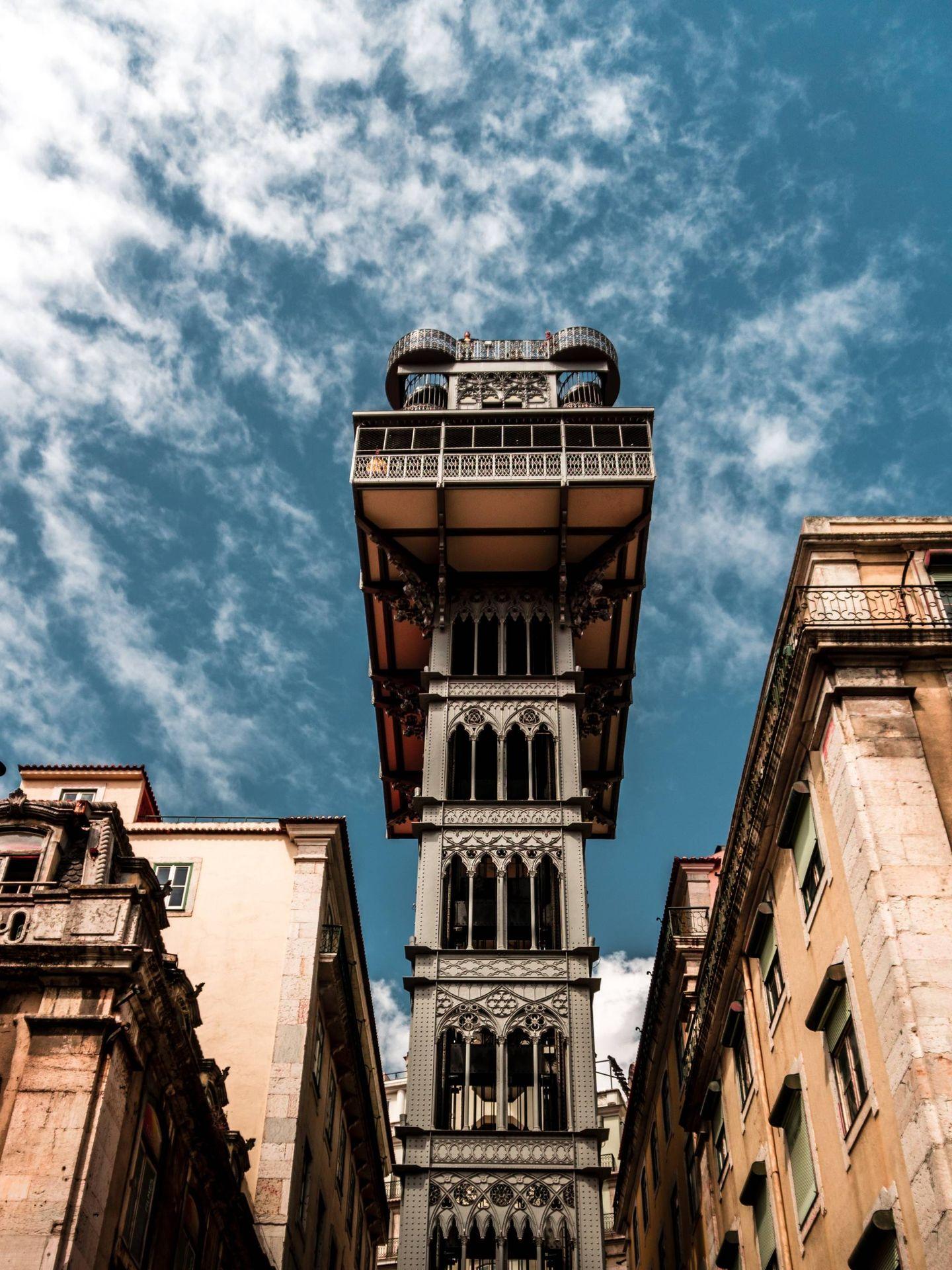 Una de las maravillas que esconde Lisboa: sus elevadores. (Unsplash)