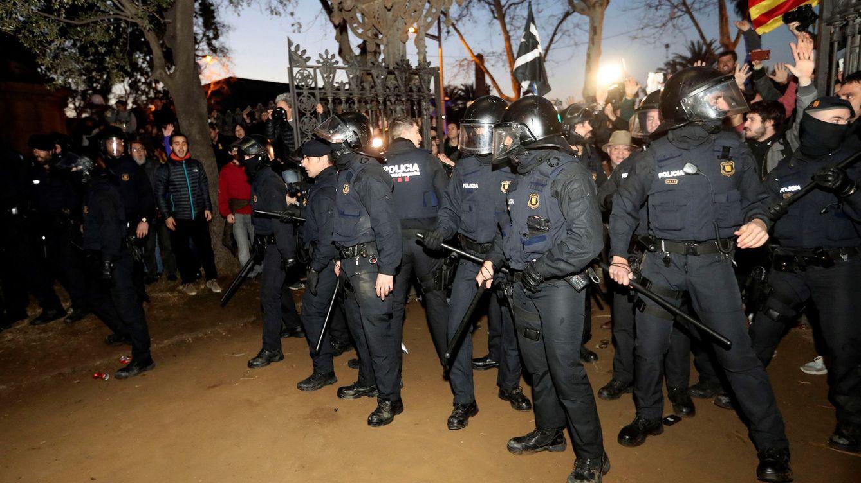Las cloacas 'indepes': así quisieron destruir al jefe de los antidisturbios con un montaje