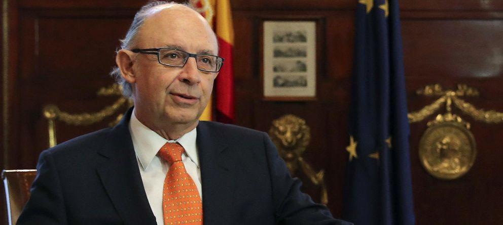 Foto: El ministro de Hacienda y Administraciones Públicas, Cristóbal Montoro, durante la reunión. (Efe)