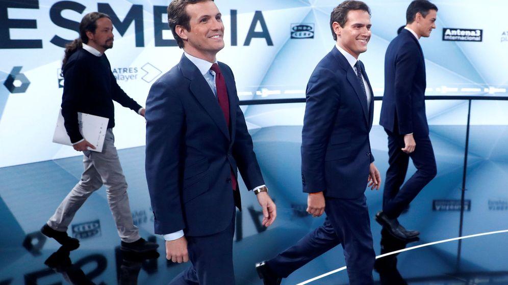 Foto: Pablo Casado y Albert Rivera, en el debate de Atresmedia. (Reuters)