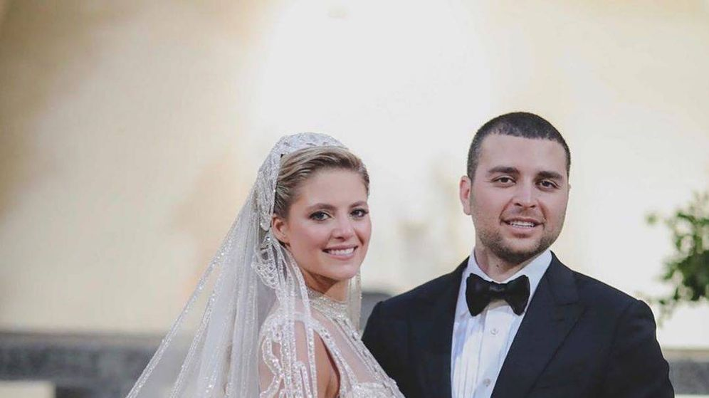 Foto: Elie Saab Jr y Christina Mourad posan tras su boda. (Elie Saab Word)
