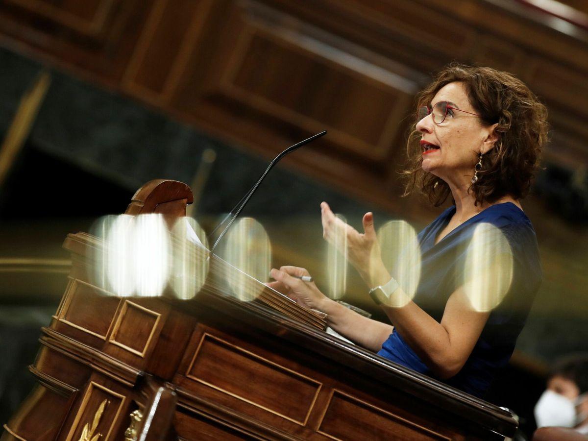 Foto: La ministra de Hacienda, María Jesús Montero, durante el pleno para votar el decreto ley sobre los interinos.