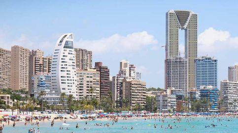 BBVA vende a Elaia la residencia de verano para empleados que tenía junto a Benidorm