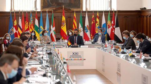 El Gobierno organiza la Conferencia de Presidentes con un papel de dos párrafos