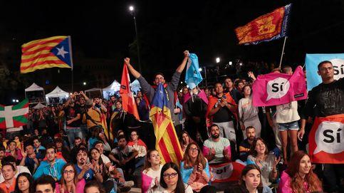 Diez hitos que marcaron el referéndum: el abrazo a un Mosso y el pelotazo en un ojo