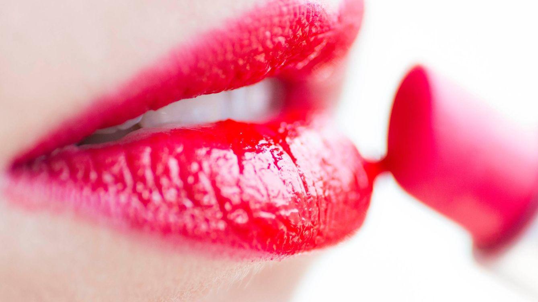 Foto: Devuelve a tus labios la hidratación y el volumen. (Jakub Gorajek)