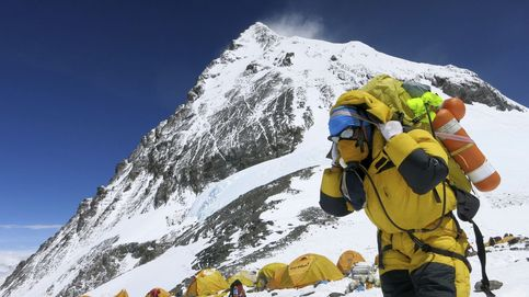 Fallece en el Everest un alpinista de 86 años que buscaba el récord de más edad