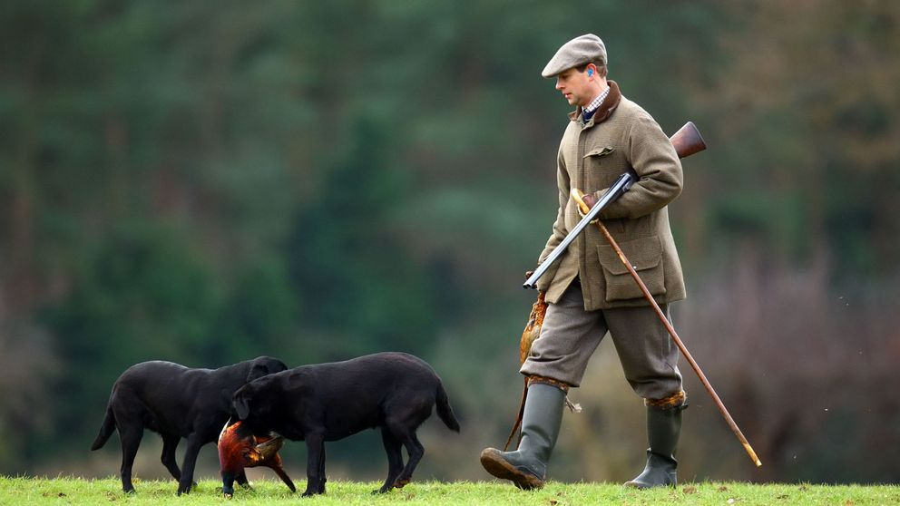 La polémica infracción de cacería del príncipe Eduardo con su hijo
