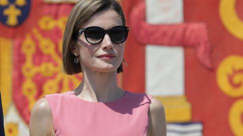 La Reina recupera tres años después el vestido con el que sufrió un despiste