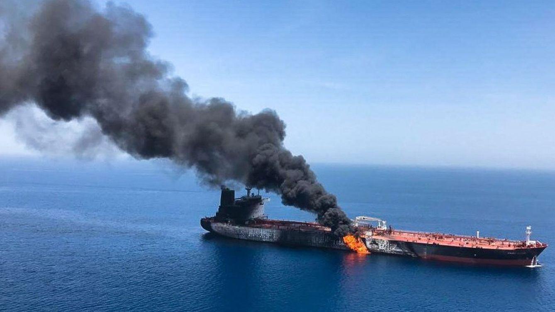 Foto: Uno de los cargueros supuestamente atacados, el buque noruego Front Altair. (EFE)
