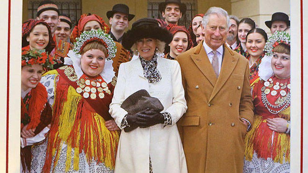 El príncipe Carlos y Camilla felicitan la Navidad con una folclórica postal