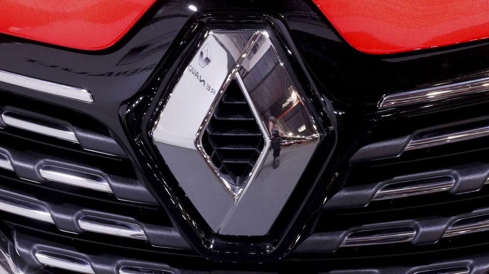 Foto: Logo de un coche Renault. (EFE)