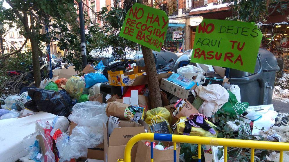 Foto: Pila de basura junto a la plaza de Cascorro. (C. P.)
