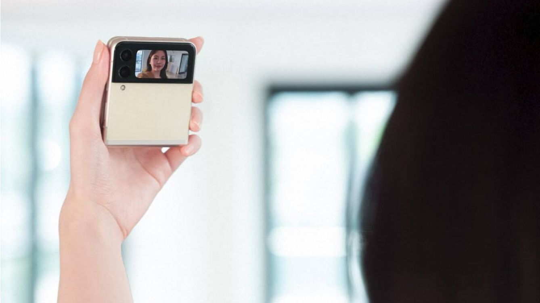 El nuevo objeto de deseo es este móvil plegable y de diseño