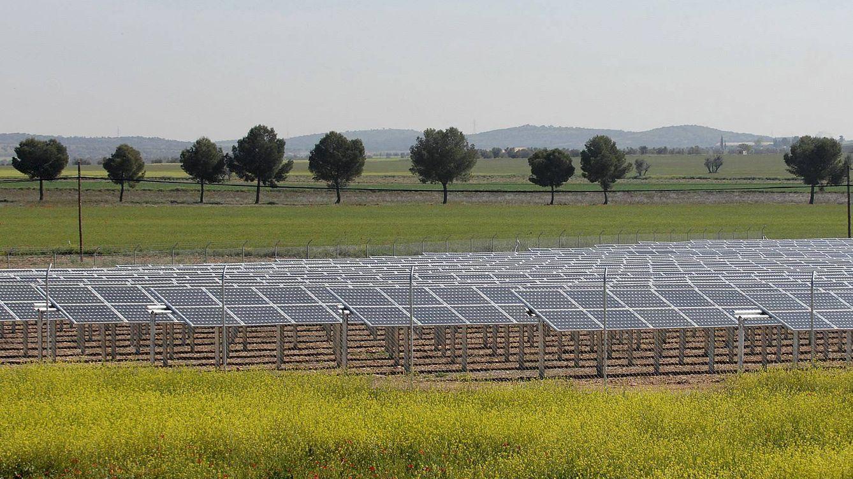 El ingeniero y el economista que dieron la puntilla a la fotovoltaica en España