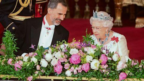 La llamada del rey Felipe al príncipe Carlos y la reina Isabel II para hablar sobre el Covid-19