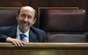 Rubalcaba pide a Rajoy que frene el cruel copago en fármacos hospitalarios