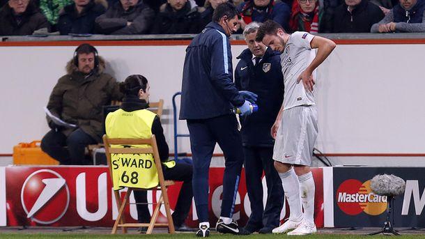 Foto: Saúl tuvo que retirarse en la primera parte del partido contra el Bayer (FOTO: Atlético de Madrid).
