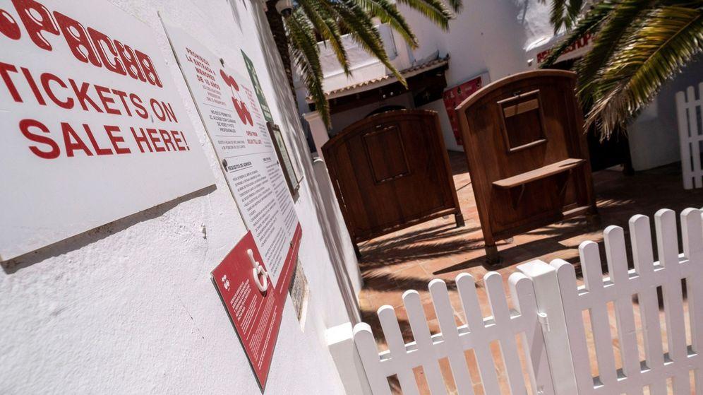 Foto: Entrada a Pacha Ibiza, cerrada por el coronavirus. (EFE)