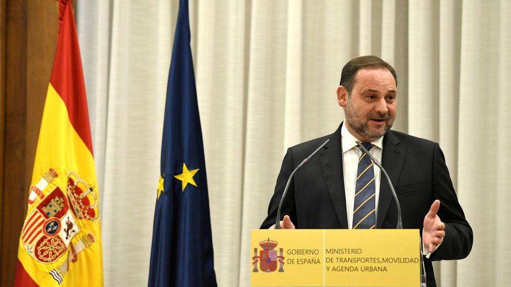 Foto: El ministro de Transporte, Movilidad y Agenda Urbana, José Luis Ábalos, durante su intervención en la toma de posesión de su cargo este lunes 13 de enero de 2020. (EFE)