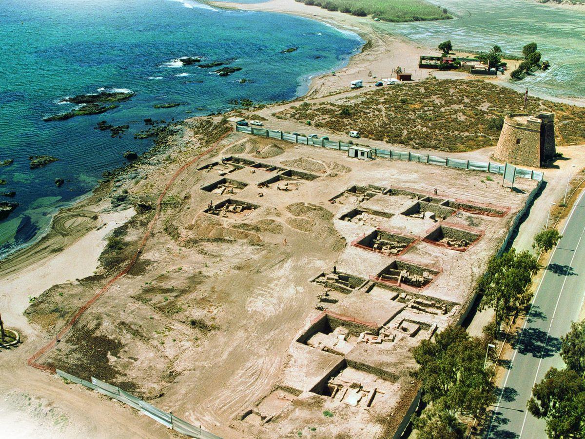 Foto: Parcela del yacimiento de Baria (Almería) sobre la que hay proyectados 24 chalés. (Unidos por Baria)
