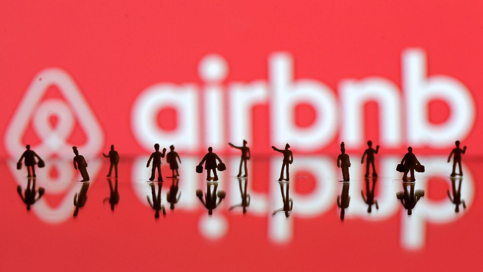 Foto: Logo de Airbnb (Reuters)