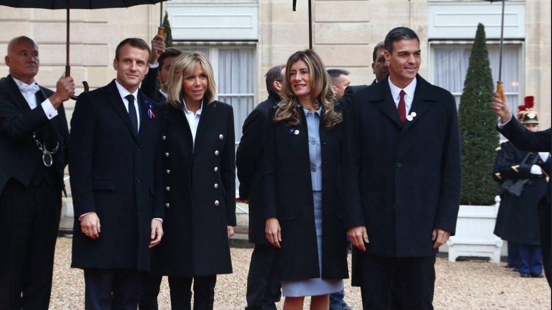 Emmanuel y Brigitte Macron, con Begoña Gómez y Pedro Sánchez. (EFE)