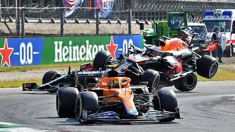 En directo F1 | Hamilton y Vertsappen se chocan, destrozan su coche y abandonan