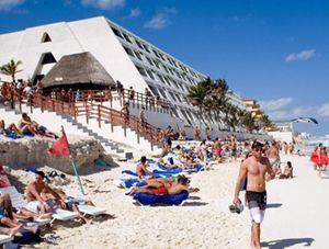 Los españoles son los segundos peores turistas del mundo según un estudio