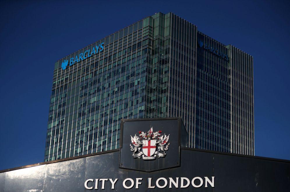 Foto: El edificio Barclays en el distrito financiero de Canary Wharf, en Londres. (Reuters)
