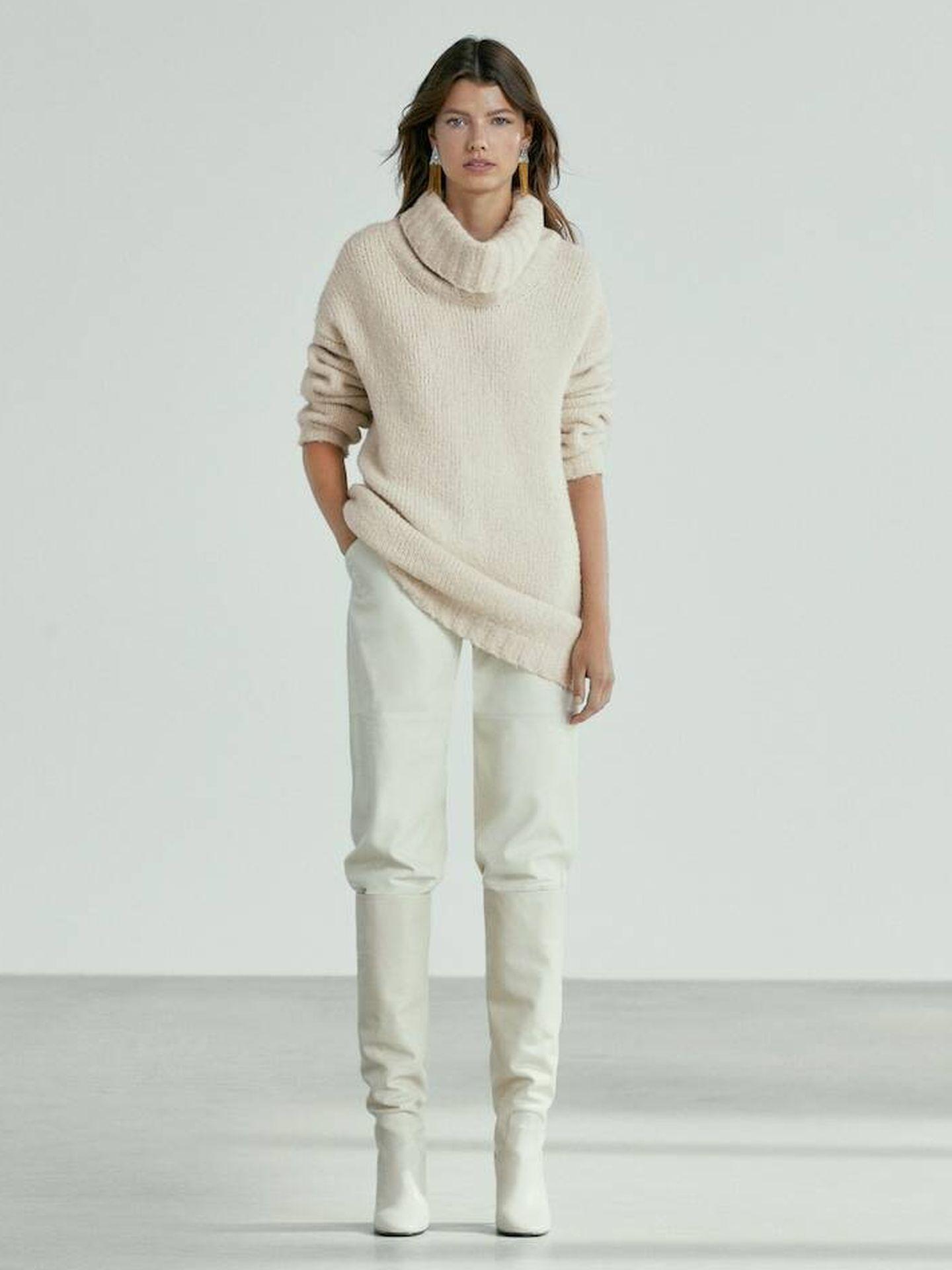 Jersey blanco de Massimo Dutti. (Cortesía)