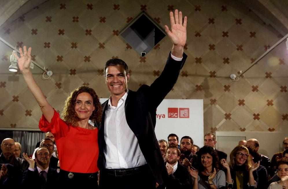 Foto: Meritxell Batet y Pedro Sánchez, el pasado jueves en la capital catalana en el primer mitin juntos, ya como candidata por Barcelona. (EFE)