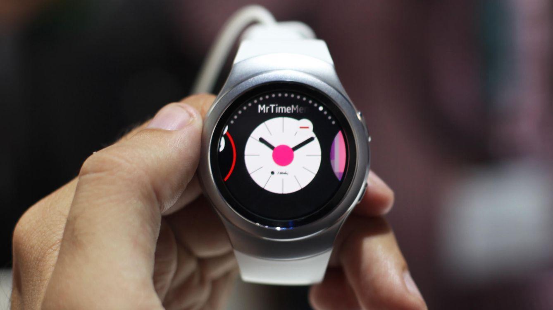 Probamos el Samsung Gear S2: redondo por fuera y por dentro