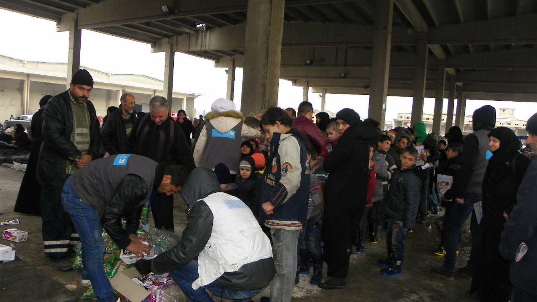 El frío amenaza de muerte a los niños desplazados en Siria